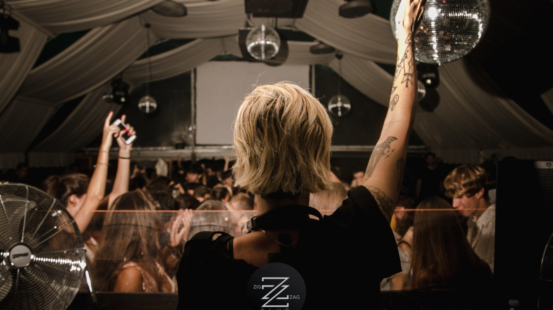 SUMMER VIBES ft EMA STOKHOLMA @ZIG ZAG 2018