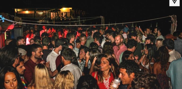 BEACH PARTY w/ CARMEN BAY // @Macchiatonda 18/08/2018